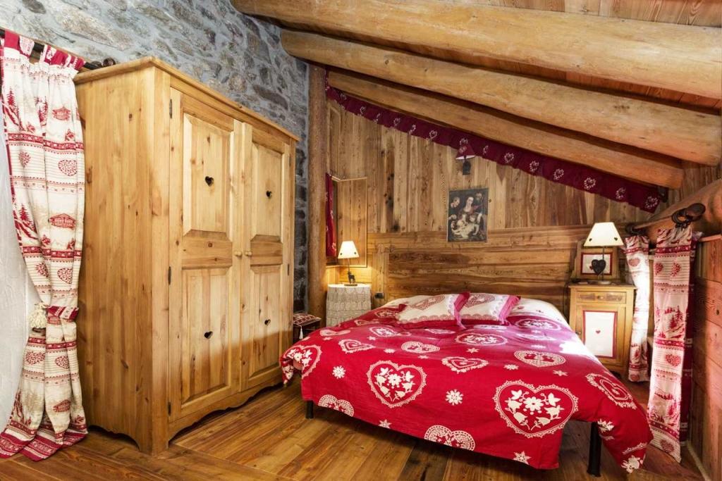 Appartamento casa vacanza kaporo bionaz valle aosta for Camere di montagna